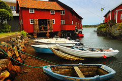 Boat ride (Dirigentens) Tags: red beach strand boats sweden flag swedish 500c sverige boathouse svenska rd btar flagga dockbay gullholmen sjbod platinumheartaward 100commentgroup bestcapturesaoi doublyniceshot magicunicornverybest magicunicornmasterpiece tripleniceshot mygearandme mygearandmepremium mygearandmebronze mygearandmesilver greaterphotographers greatestphotographers artistoftheyearlevel3 artistoftheyearlevel4 aboveandbeyondlevel1 flickrstruereflection1 4timesasnice 6timesasnice 5timesasnice 7timesasnice rememberthatmomentlevel1 rememberthatmomentlevel2 rememberthatmomentlevel3