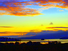 Good Morning (B4bees) Tags: sun water yellow clouds dawn kinross lochlake sunsetsandsunrisesgold b996