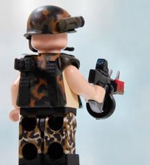 AA-12 (v2, w/holo sight) (Catsy [CC]) Tags: mod lego automatic shotgun custom modification catsy aa12 brickarms