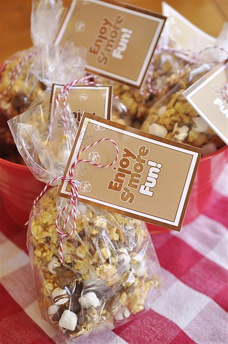 S'mores Caramel Popcorn - why not take traditional caramel corn and add s'mores to it? Yum!  Download these cute tags too.