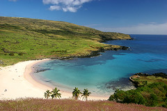 Anakena Beach from above (hapulcu) Tags: chile beach southpacific easterisland cl rapanui isladepascua anakena