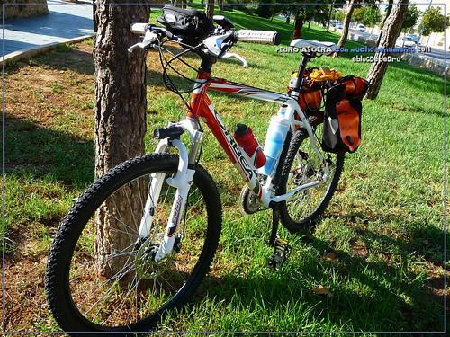 Bicicletas listas para hacer el Camino 5991332913_90ae12fc5d