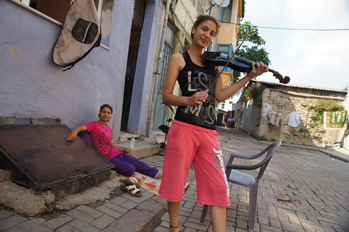 Portraits of a beautiful family in Balat by CharlesFred