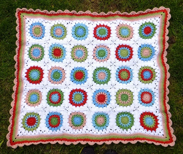 Ravelry Starburst Flower Crochet Blanket Pattern By Jane Brocket