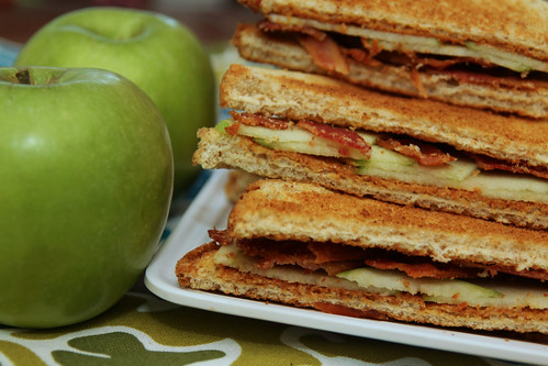 apples and sandwiches