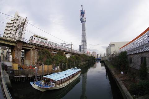 東京スカイツリーとイーストタワー