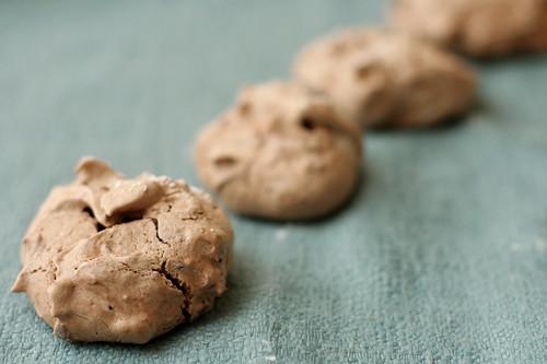 almond cocoa meringues 3