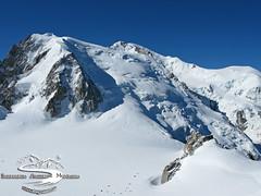 Mont Blanc du Tacul 4250m, Vallee Blanche, Chamonix Mont Blanc (Ingam_com) Tags: monte chamonix francia mont montagna bianco blanc montblanc ingegneria montebianco ambiente aiguilledumidi montblancdutacul ghiacciaio valleeblanche tacul bossons massiccio altasavoia ingam ingegneriaambientemontagna ingamcom montemaudit ghiacciaiodeibossons