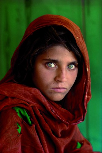 AFGAN GIRL-Steve Mccurry