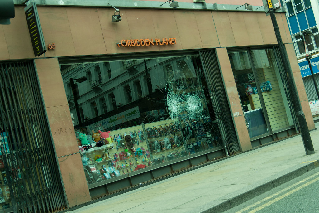 Manchester Riots Aftermath (19 of 44)