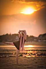 Attitude au Couchant (Chris Dve) Tags: chris ballet woman mer france beach girl beauty dance ballerina femme grain sable bretagne danse beaut fille plage f28 deve 135mm carnac danseuse traitement dxofilmpack sonyalpha850 chrisdve dve
