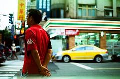 65280037 (ya) Tags: minoltax700 taipei  agfact100 streetsnap agfafilm