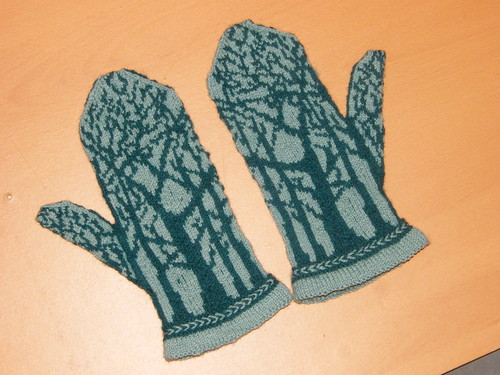 Deep In The Forest Mittens