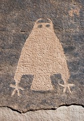 Owl Petroglyph in Kane Creek Canyon (Ron Wolf) Tags: vertical utah nativeamerican owl petroglyph archeology rockart zoomorph kanecreekcanyon fremontculture