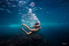 kelsey (SARA LEE) Tags: ocean morning fish girl hawaii surf break underwater bubbles bigisland kelsey reef kona kailani suicides kelseyc sarahlee vivantvie