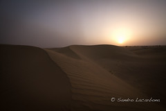 Sunset at the Thar desert (Sandro_Lacarbona) Tags: voyage trip travel sunset sun india set soleil sand sam desert dune sable backpacker sandro jaisalmer thar rajasthan inde dsert couch routard tourdumonde tetedechatcom lacarbona