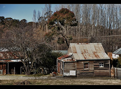 Shack (ralphb58.) Tags: new moon house wales rust south cottage rusty australia historic nsw wintersday tinroof southernhighlands berrima