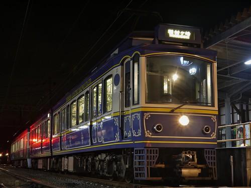 江ノ電10F+502F稲村ヶ崎行き最終電車@長谷