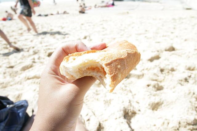 goute (pain avec confiture)