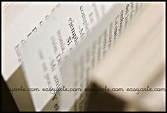 El ejemplo (gorkaoller) Tags: macro blanco luz words letters books papel libros gorka palabras letras bodegon composicion macrophotography oller monotono wwweasyartecom