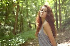 [フリー画像] 人物, 女性, 森林, 201107152100