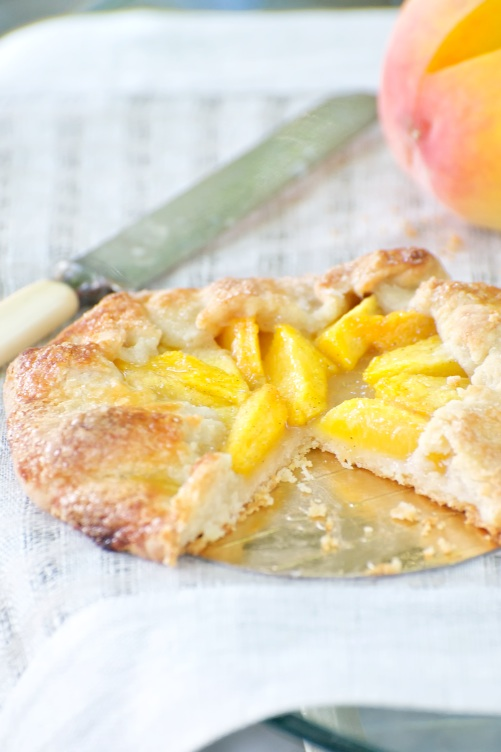 peach_crostada_cut