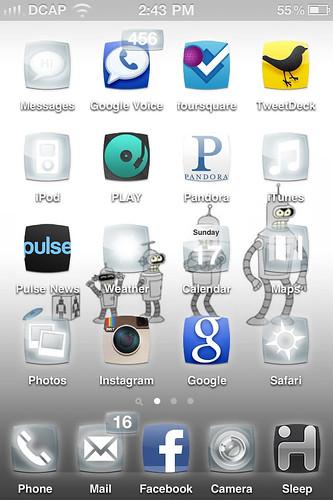 Custom iPhone home screen geekness