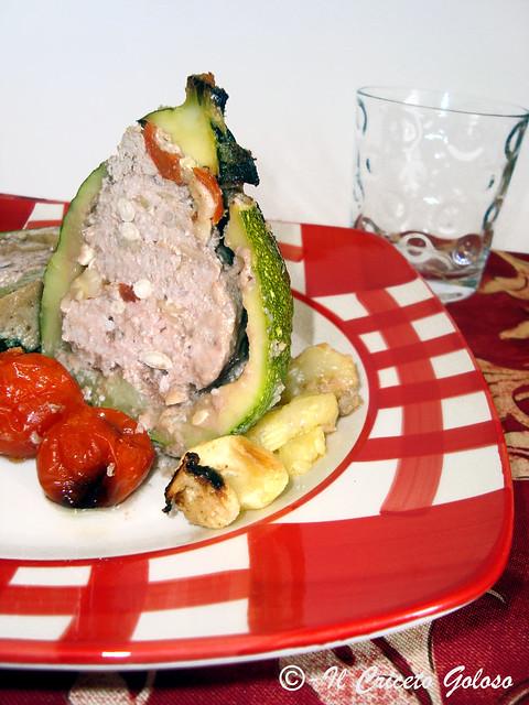 Zucchine ripiene di carne con pinoli