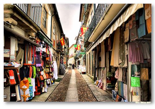 Rua Mouzinho de Albuquerque by VRfoto