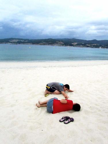 Un rato en la playa by JoseAngelGarciaLanda