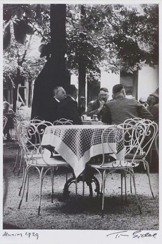 Hitler foto robada en Munich, Tim Gidal