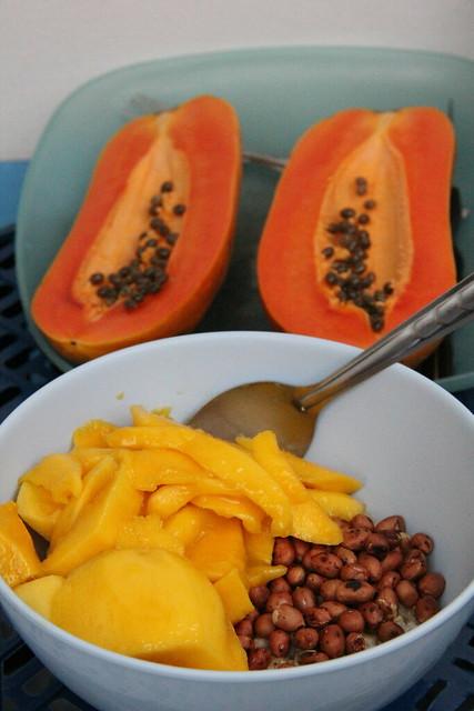 Oatmeal, Mango, Peanuts, Bananas