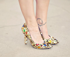 Dolce & Gabbana     -   Embellished shoes diy + gold sequins and gem dolce and gabbana shoes diy pumps - DIY love maegan