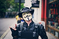 Anonymous (Rick Nunn) Tags: street portrait london hat leather photojournalism rick v anonymous nunn vendetta ef50mmf14usm vsortpop