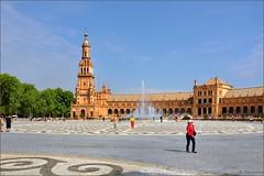 Sevilla :  Plaza de Espaa - 6 - -  EXPLORE (Pantchoa) Tags: square sevilla andaluca spain nikon fuente explore sville plazadeespaa andalousie jetdeau rawfile d90 anbalgonzlez parquedemaraluisa marialuisapark  nikonpassion fileraw capturenx2  ringexcellence viewnx2 fountainlet