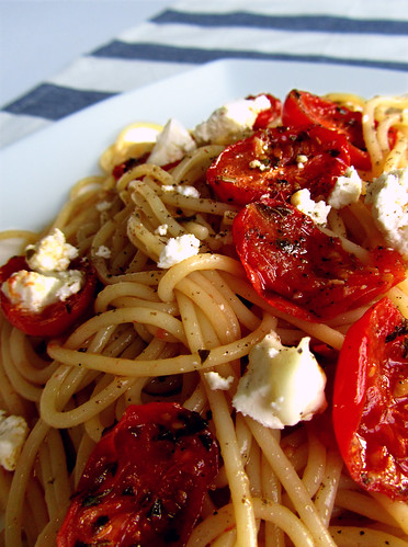 Spaghetti with roasted cherry tomatoes and feta