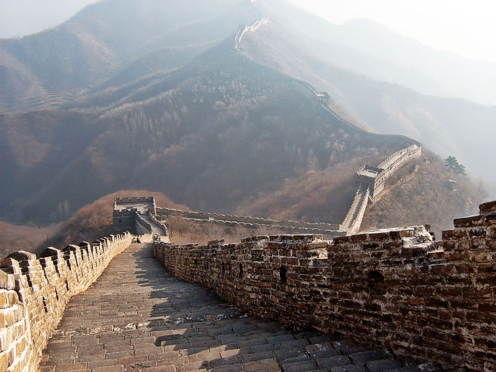 The Great Wall of China, Mutanyu, - long way down