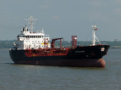 P1040077 (Darren B. Hillman) Tags: ships panasonic tankers rivermersey bromborough stolttankers easthamchannel stoltrazorbill dmcfz100