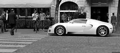 Bugatti Veyron Grand Sport (Pichot Thomas) Tags: paris sport canon de d grand voiture 500 bugatti blanc supercars veyron 500d crme spoot sportives 1001ch spooting