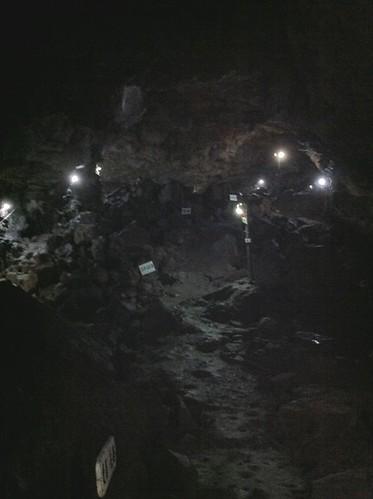 駒門風穴の内部