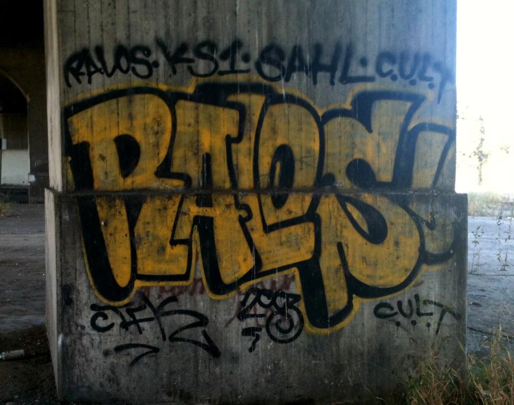 Ralos utap0ut tags 2003 california ca street art cali graffiti la los mural