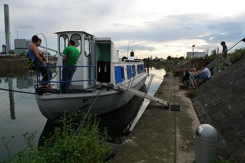 Kunstschiff Schute Vita am Kai. Offenbach August 2011