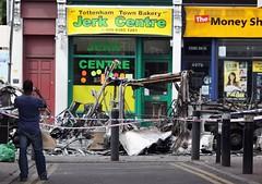 Tottenham Riots by merciacoventry