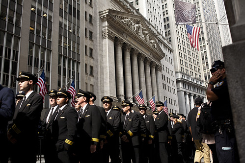 Airplane pilots march on Wall Street