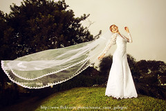 Here comes the Bride (Roxana Casas) Tags: white verde love bride lima rubia campo gras felicidad velo novia weddingphotograpy darlenerosas roxanacasas
