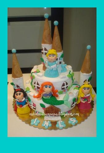 Bolo Castelo Princesas Disney 3 by Osbolosdasmanas