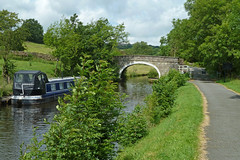 Leeds and Liverpool Canal, near Higherford by Tim Green aka atoach