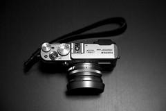 (je_suis_un_chat) Tags: camera blackandwhite bw fuji fujifilm  x100  finepixx100