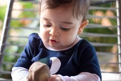 Arthur (Veiga R) Tags: family brazil portrait baby smile brasil canon eyes chair child retrato picture frame beb sorriso criana ef50mmf18ii tutu cadeira t3i ef50mmf18 mato eos600d rveiga