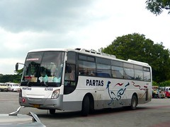 Two Birds In One Shot (bentong 6) Tags: transportation co hino rm partas am10 82458